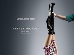 倫敦著名百貨公司HN服裝宣傳創意