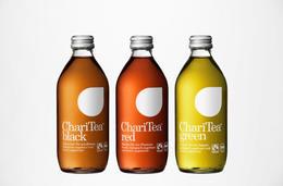 簡潔大方的飲料瓶身設計