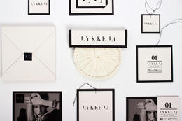 時尚風格複合媒材  C D包裝設計