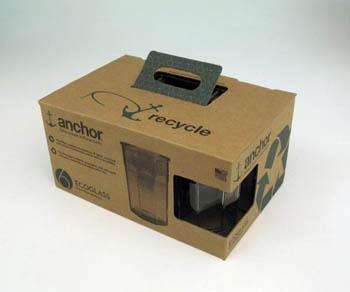 亚历山大·克瓦皮斯硬纸板包装盒设计