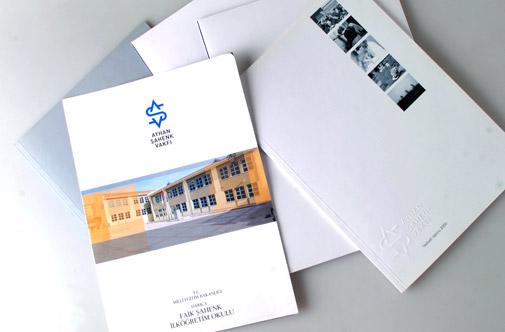 推荐:国外大师人物精品画册版式赏析