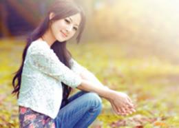 Photoshop打造甜美的橙色秋季外景美女图片
