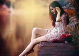 Photoshop给水边的美女加上暗调红褐色