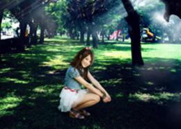 Photoshop给树林中的人物?#35745;?#22686;?#29992;?#24187;透射光束